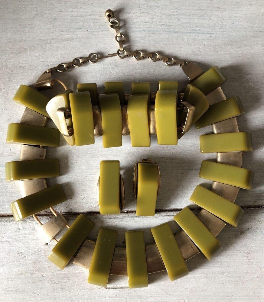 Art deco vintage green bakelite gold tone necklace bracelet