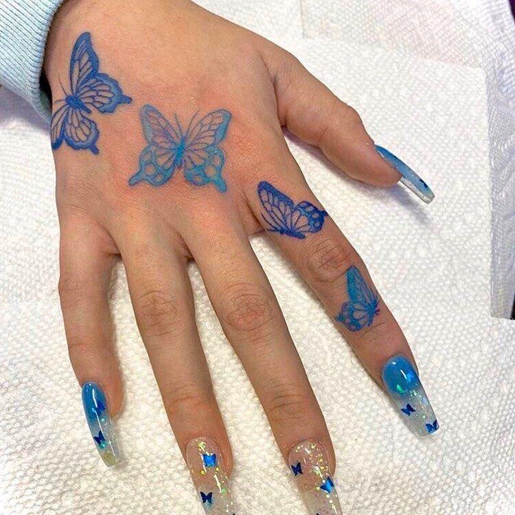"""Photo of Redrosebaddie ✨ auf Instagram: """"Würden Sie Jungs bekommen einen Schmetterling Hand Tattoo? 😍🦋 • Dm"""