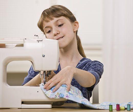 Kleine Talente kommen groß raus in unserer Nähschule! | Nähen ...