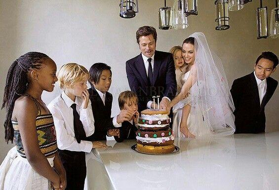 Jolie Pitt Wedding Gorgeous Angelina Jolie Wedding Brad And Angelina Brad Pitt And Angelina Jolie