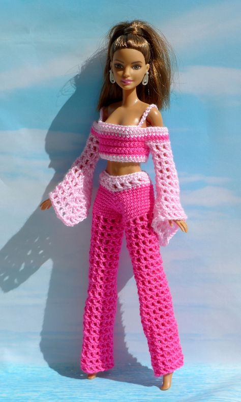 Häkelanleitungen: Frische Sommermode für Barbie und ihre Freundinnen #dolldresspatterns