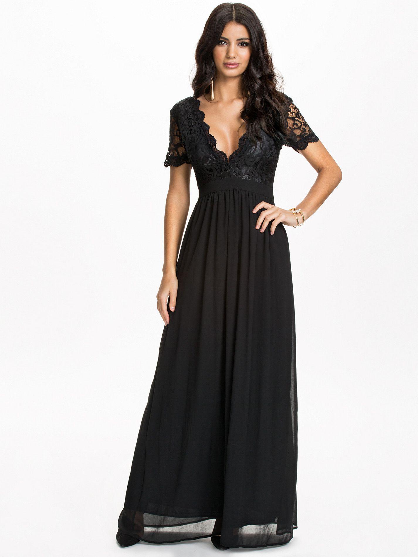 b39f4e86 Scalloped Lace Maxi Dress - Club L - Svart - Festkjoler - Klær - Kvinne -