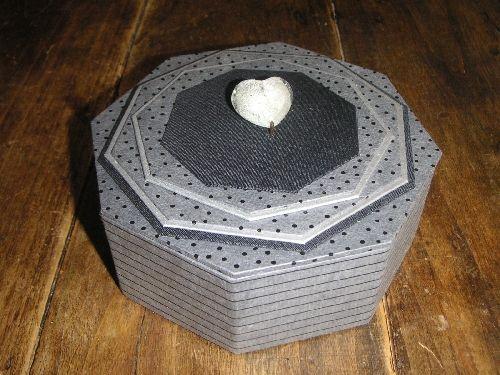 fiche gratuite bo te octogonale l 39 art et cr ation sandra hosseini cartonnage pinterest. Black Bedroom Furniture Sets. Home Design Ideas