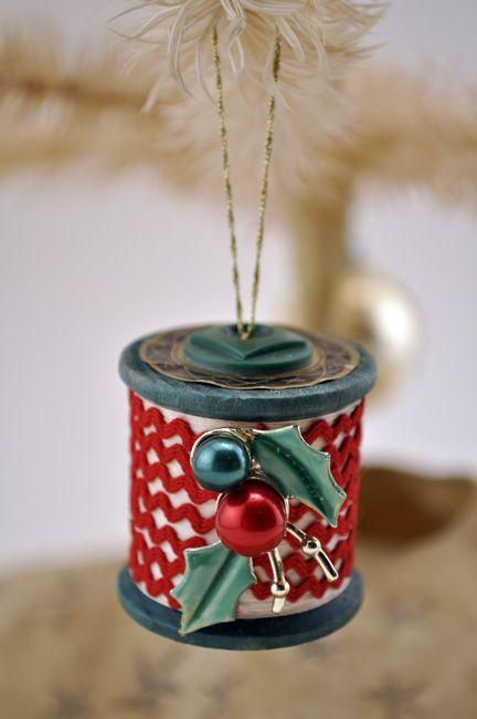 Reusing spool/thread bobbin   Eco Green Love - Reusing Spool/thread Bobbin Christmas Ornaments Pinterest
