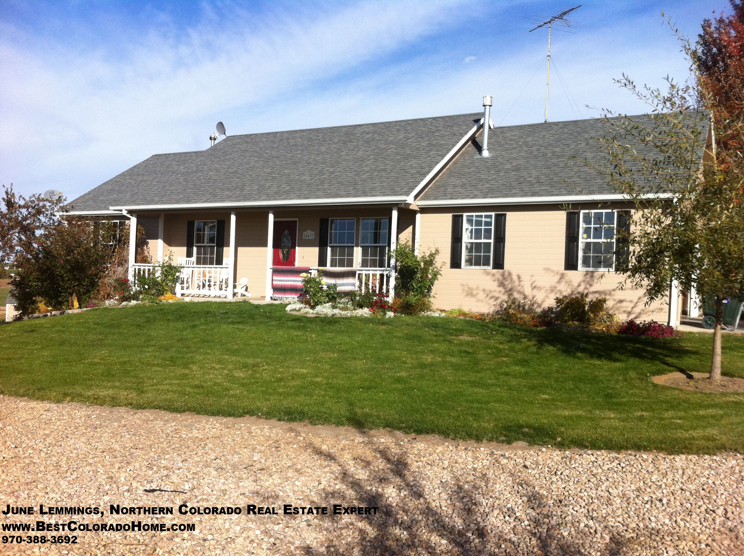 Gorgeous Lasalle Colorado Home For Sale Bring Your Horses To Northern Colorado Just Minutes Outside Of Greeley Colorado Homes House Styles Home Buying