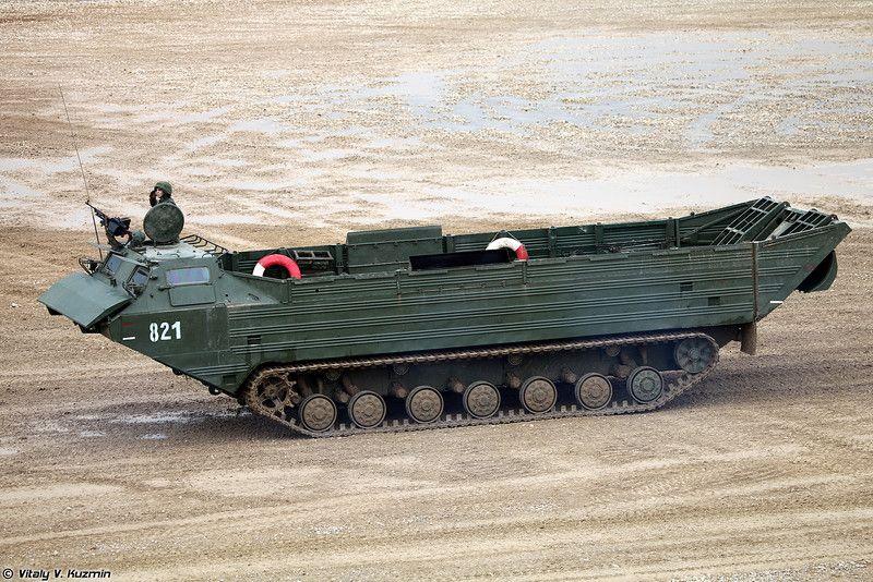 военные машины транспортеры