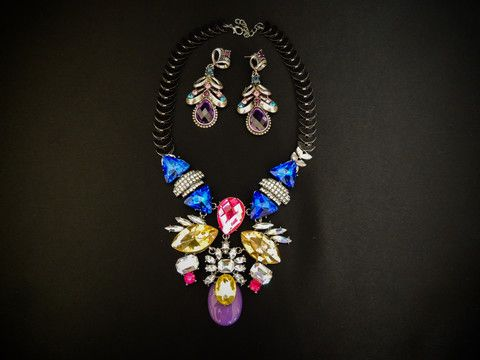 Purple gem and rhine stone necklace