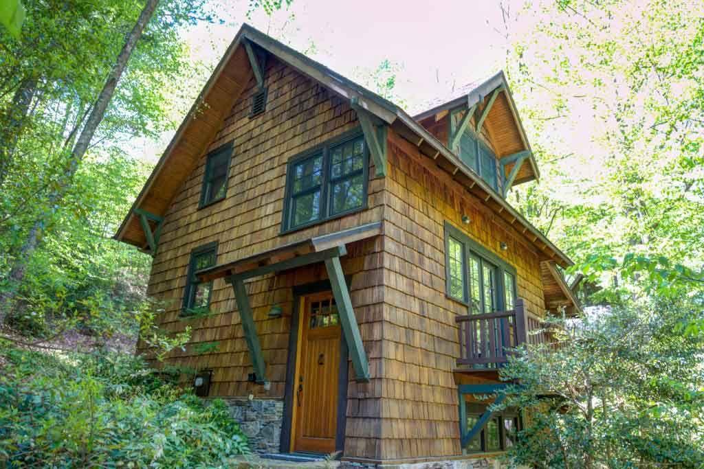 Winnie S Place Cabin Asheville Cabin Rentals Master Suite