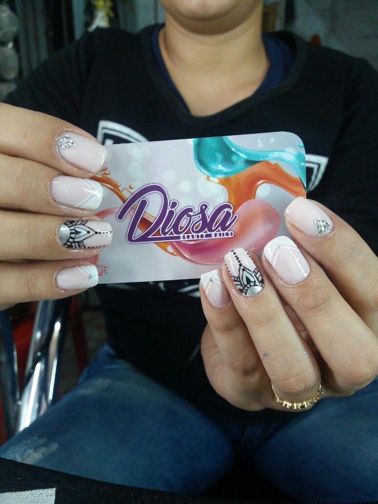 Pin de Beatriz Villa en uñas francesas elegantes | Pinterest ...