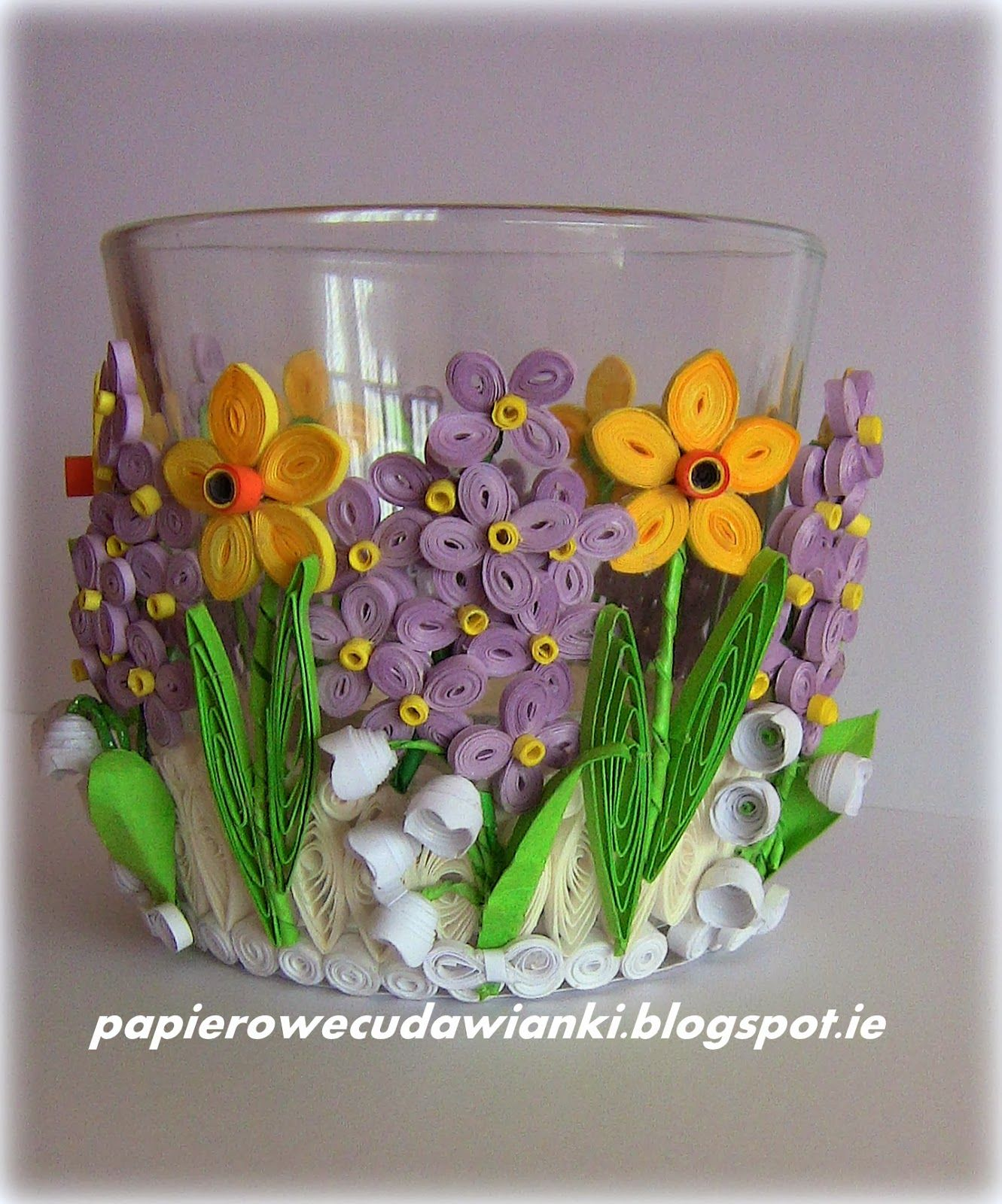 Quilling Design On Glass Can Be Turned Into Vase