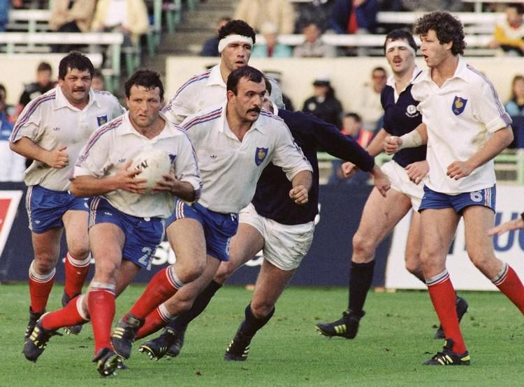 Xv De France Grande Premiere Il Y A 30 Ans Joueur De Rugby Rugby Equipe De France Rugby