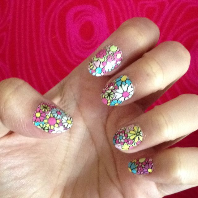 Flower power nails!!!!!!!