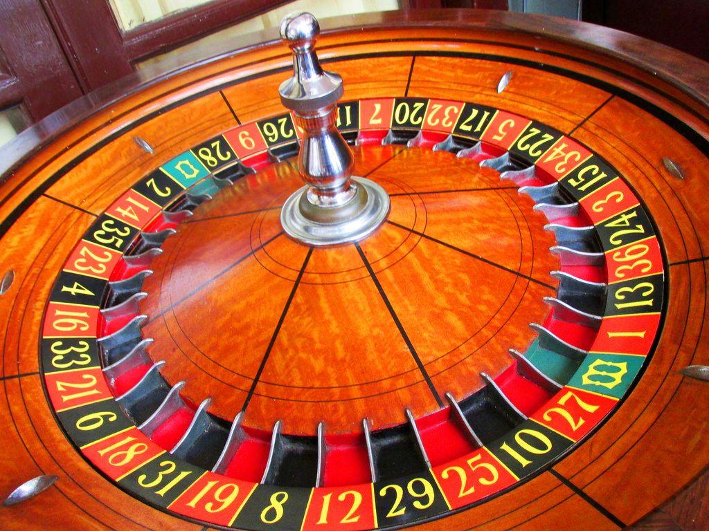 Wooden roulette buy black wooden roulette blackjack table led - Traditional 00 Roulette Wheel