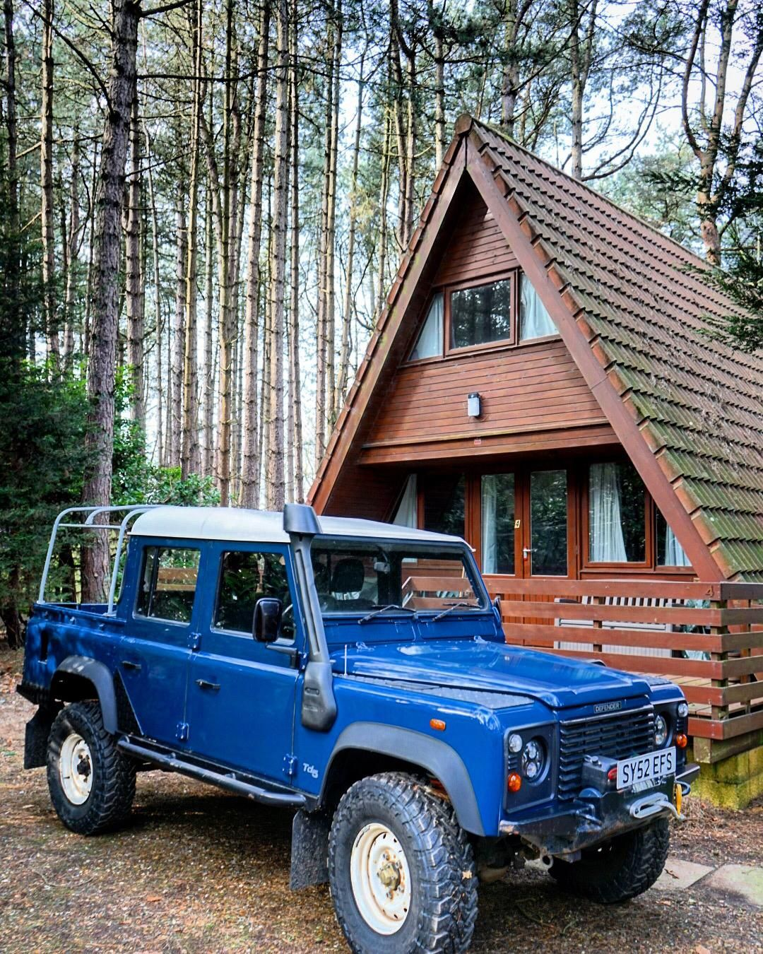 Land Rover Defender 110 Td5 Double Cab Pickup Outside Triangular