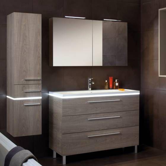 Un esprit vintage pour cette salle de bain en décor bois ...