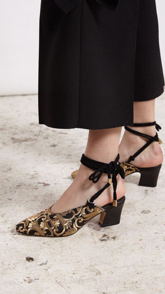 26 Classic Street Style Shoes For You This Winter