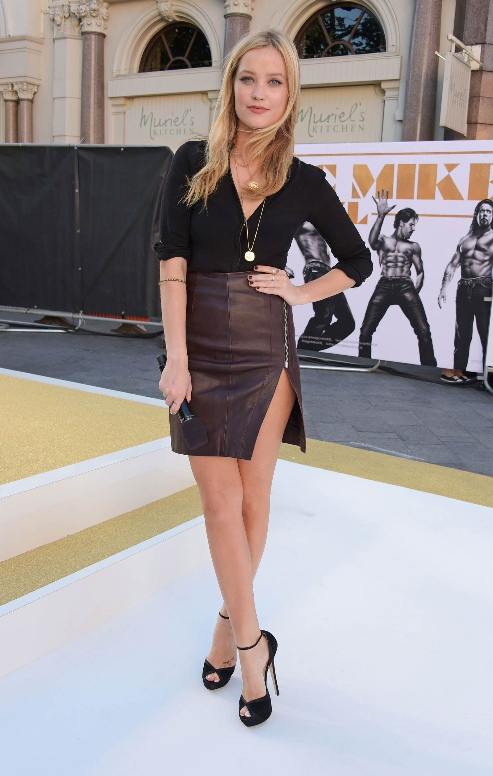 Paparazzi Laura Whitmore nude (22 images), Feet