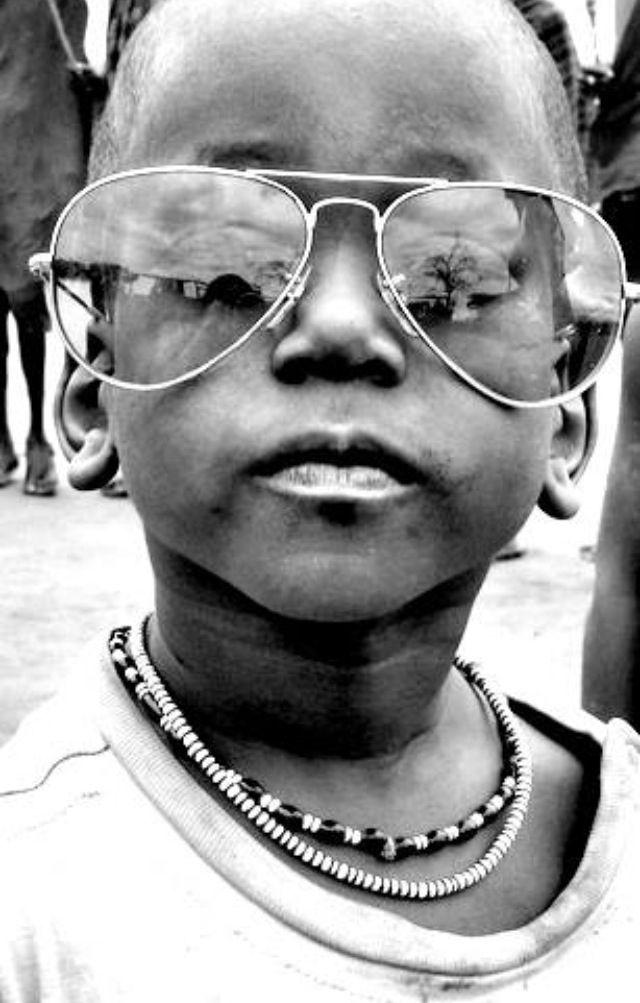 Monelino #bimbo #masai #occhiali #sole
