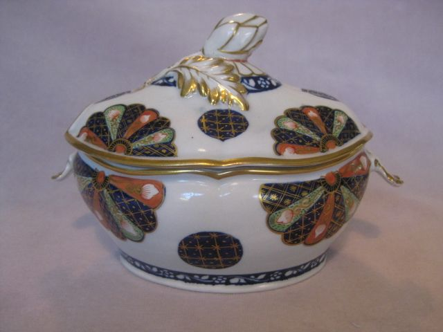 Worcester fan pattern tureen and cover