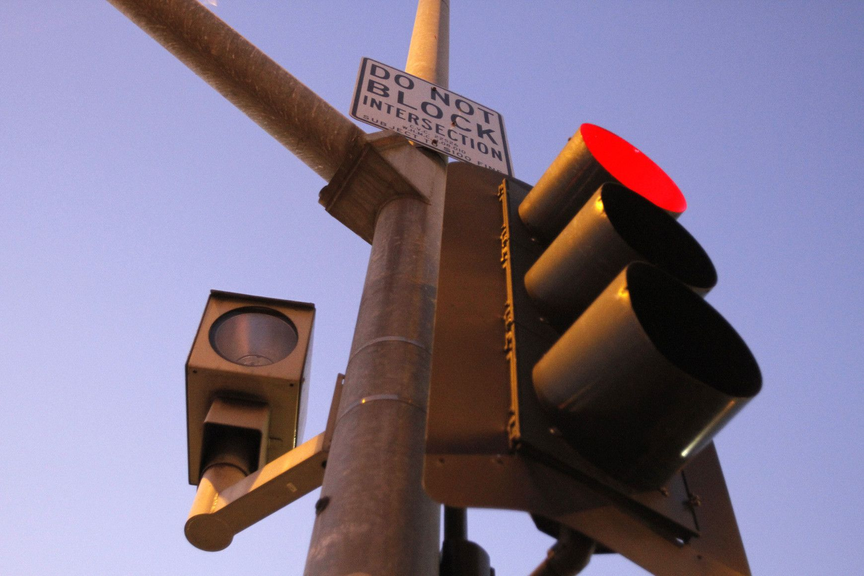 New Red Light Cameras Would Be Banned Under Propose California Legislation