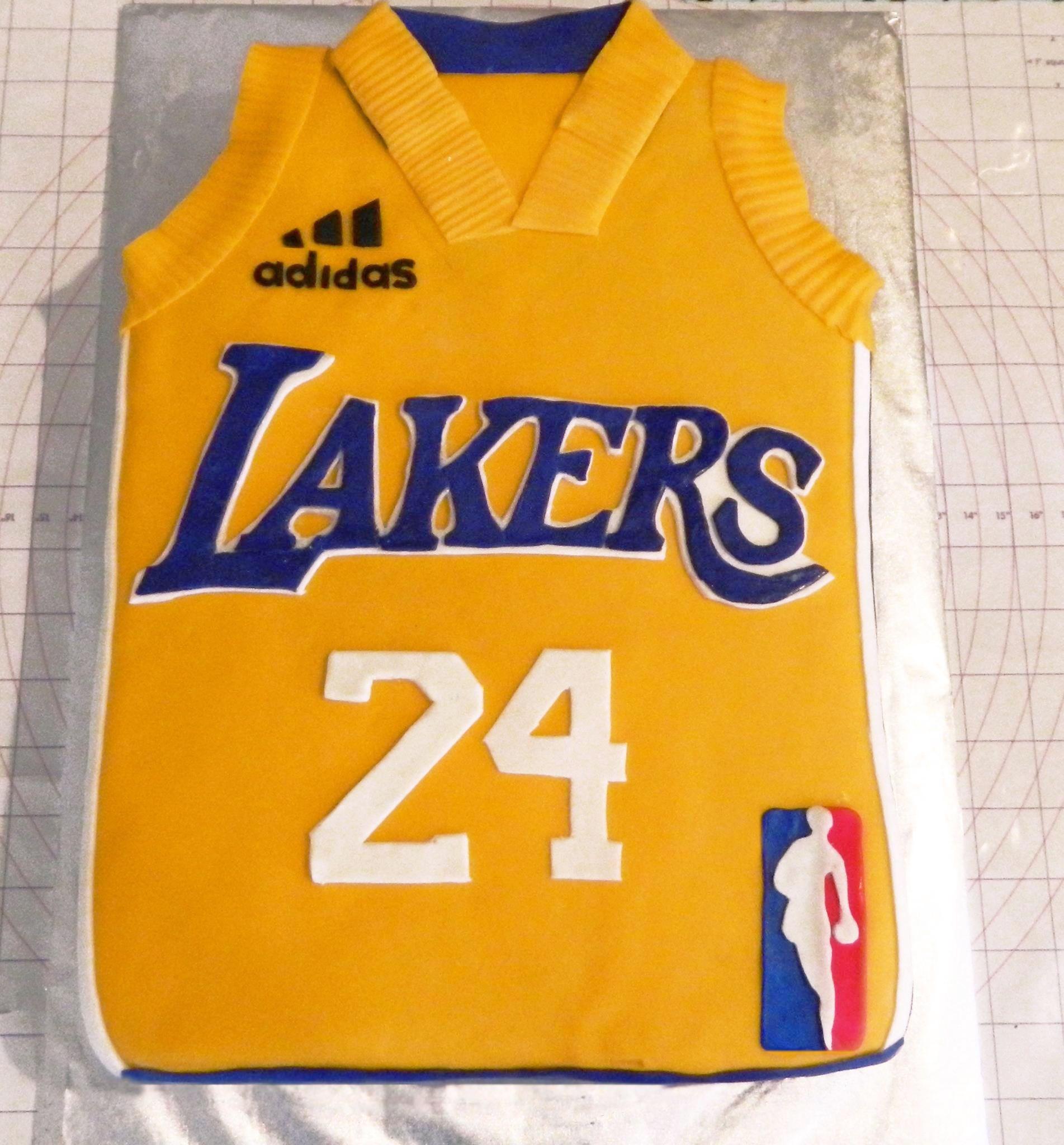 Lakers — Basketball / NBA Cake designs for boy