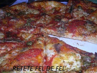 Pizza Napoletana http://iulianaflorentina.blogspot.it/2011/02/pizza-napoletana.html