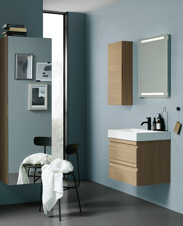 Vanity Unit With Classic Integrated Handles And Tall Unit With Full Size Mirror Mobler Ideer Design Farvekombination