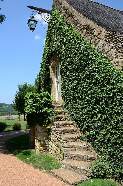 Les Jardins Du Manoir D Eyrignac Tuscan Garden French Exterior Charming House