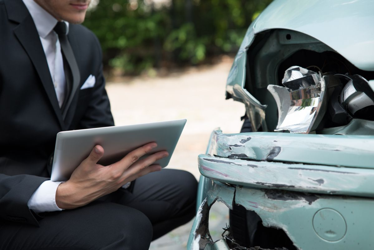 Not a search engine, A finder! Car insurance claim, Car