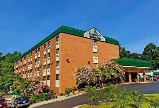 Hotels Between Busch Gardens And Virginia Beach