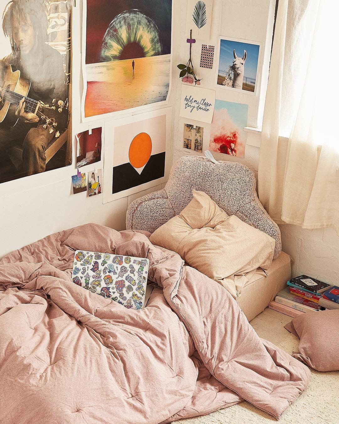 Uooncampus Urbanoutfitters With Images Dorm Room Decor Dorm