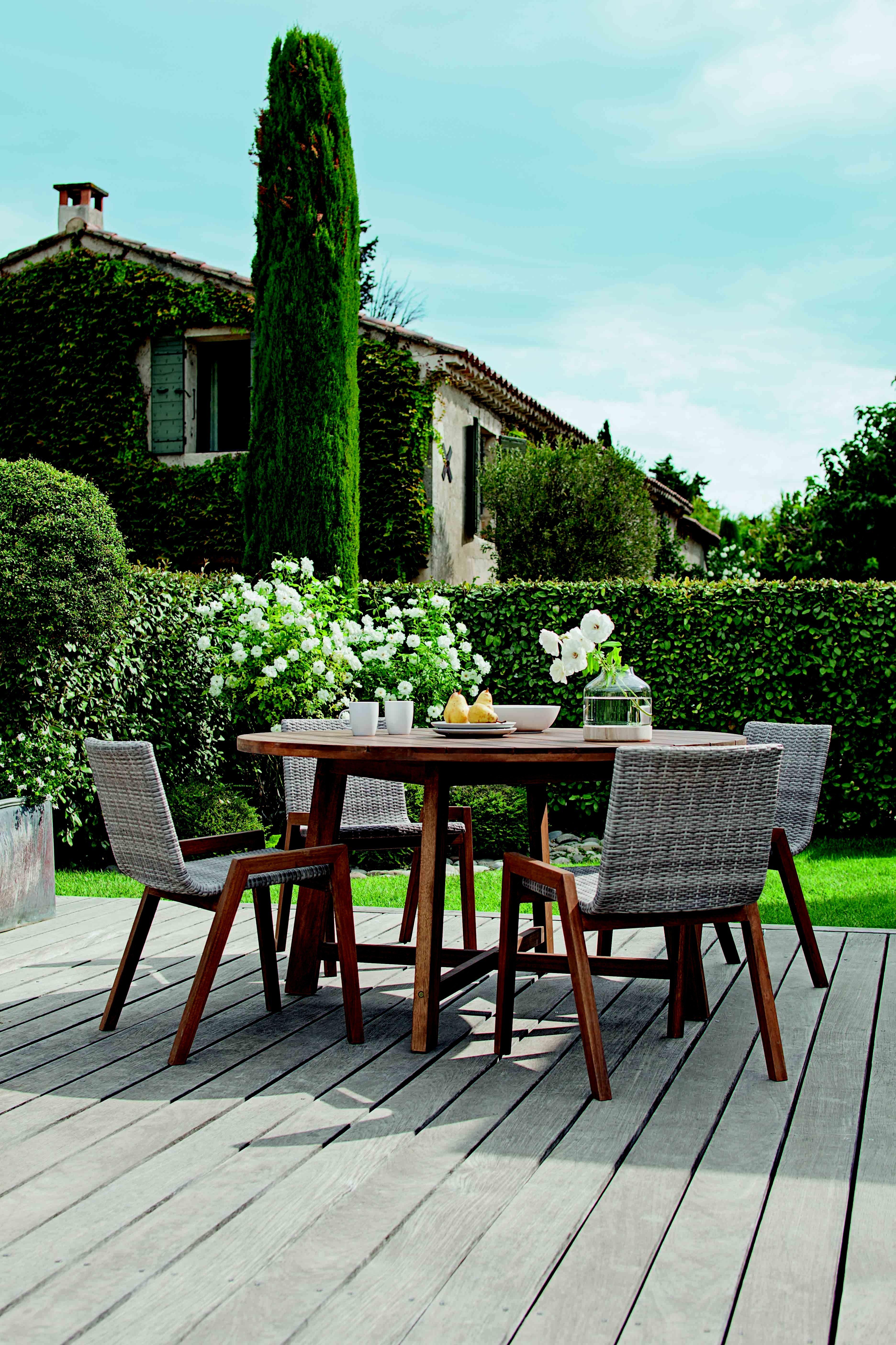 Salon de jardin azal e chez jardiland salon de jardin for Mobilier jardin bois