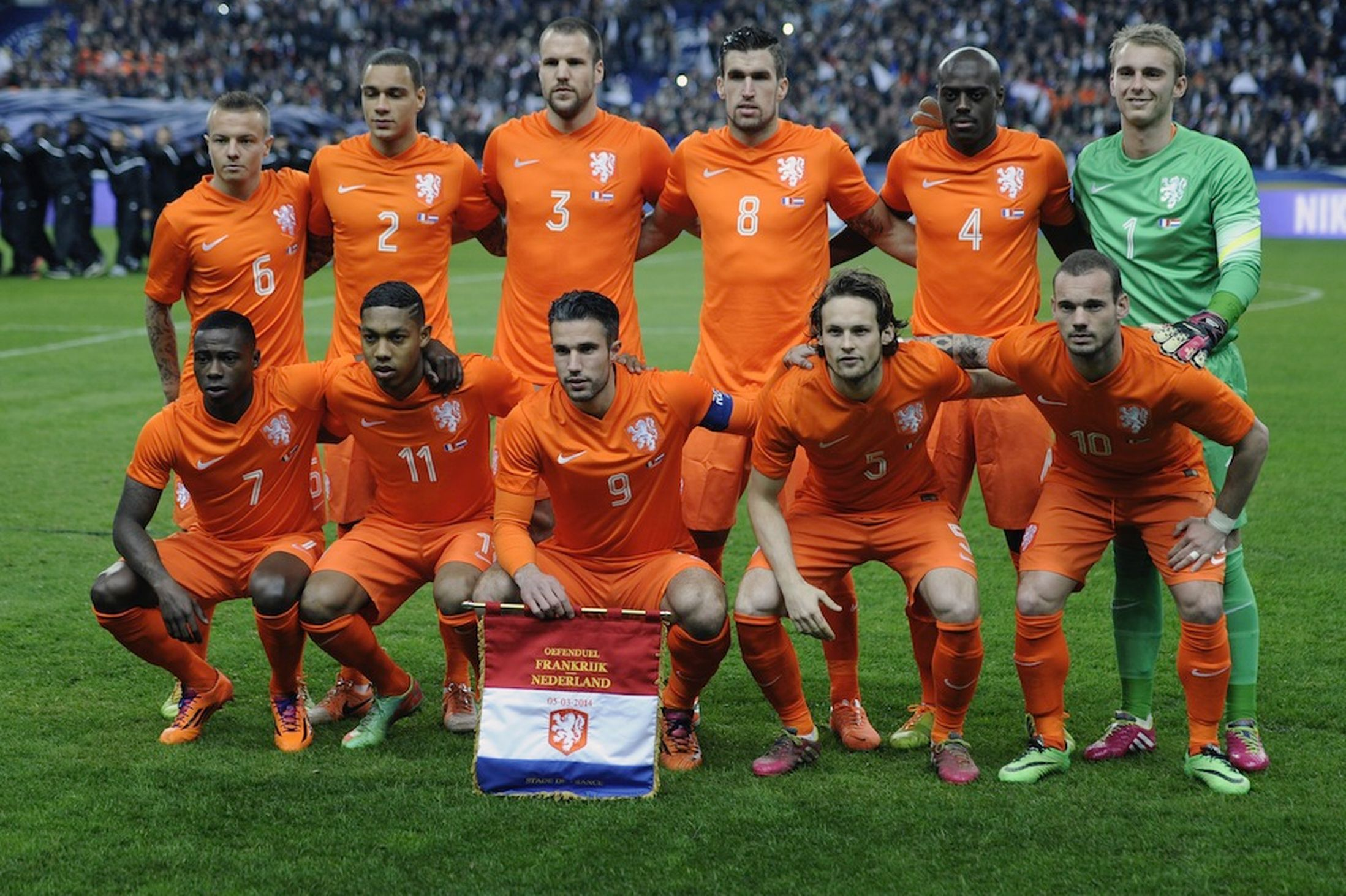 Netherlands Squad For World Cup 2014 Jersey Wallpaper National Football Teams Football Team World Cup 2014