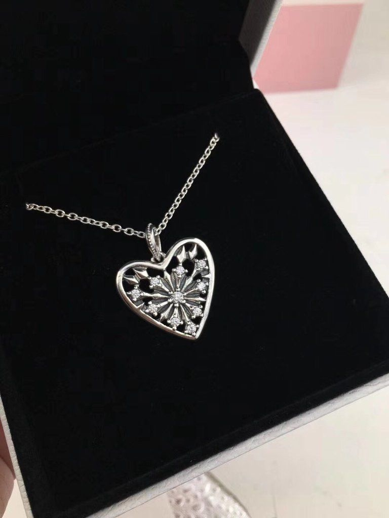 737242b59120c Pandora heart of winter necklace | Necklaces in 2019 | Jewelry ...