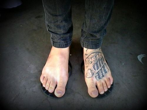 Foot tattoo mens tattoos pinterest tattoo tatto and piercings foot tattoo urmus Images