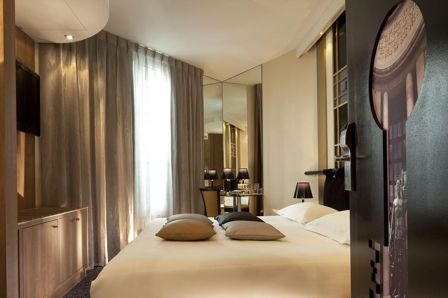 Hôtel Secret de Paris (2009) Design: Sandrine Alouf Atmosphériste #design #hotel