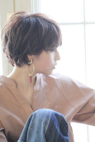 佐藤栞里風 ナチュラル小顔ショートヘア|MINX 青山店のヘアスタイル