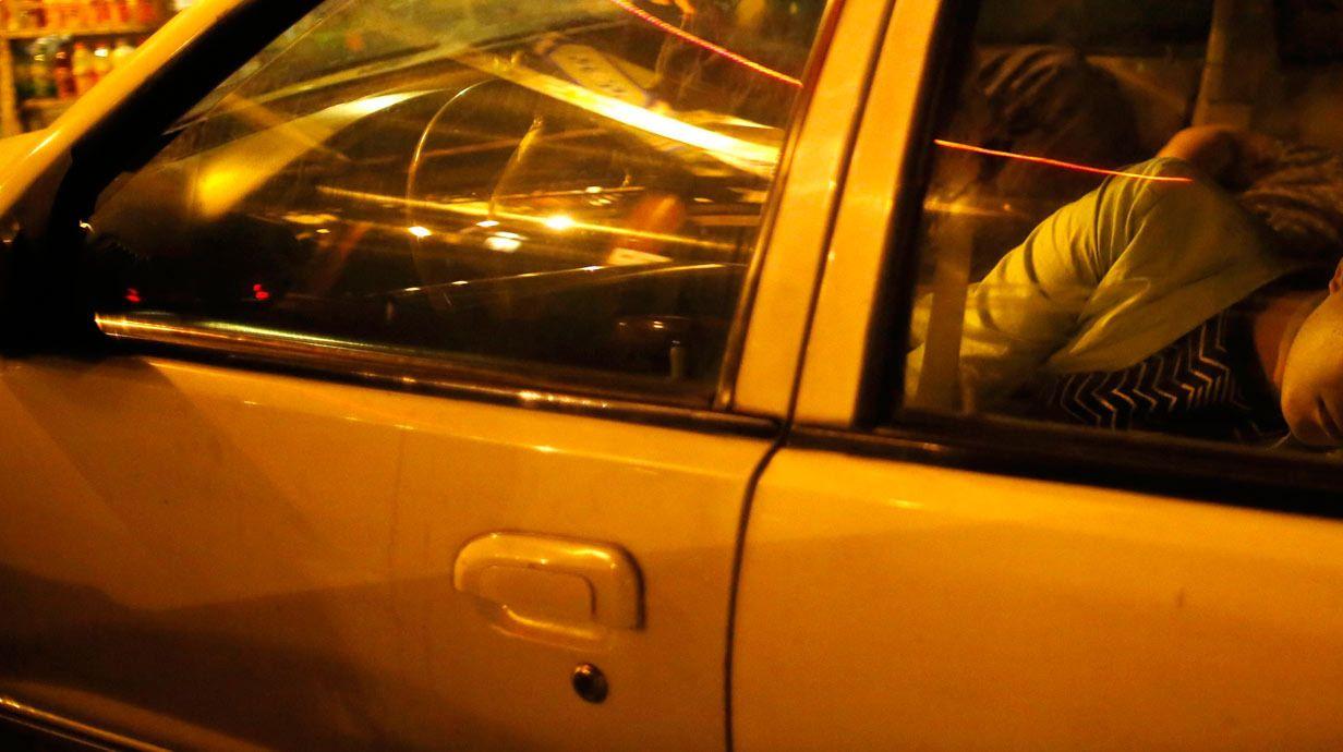 Betrunken Im Auto Schlafen