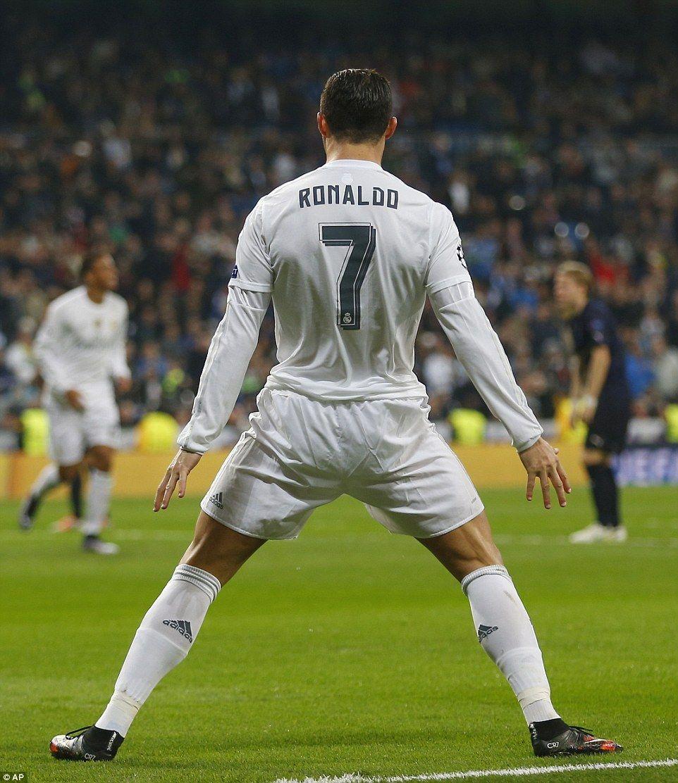 Cristiano Ronaldo Wallpaper: Best 25+ Ronaldo Celebration Ideas On Pinterest