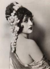 1920s film makeup