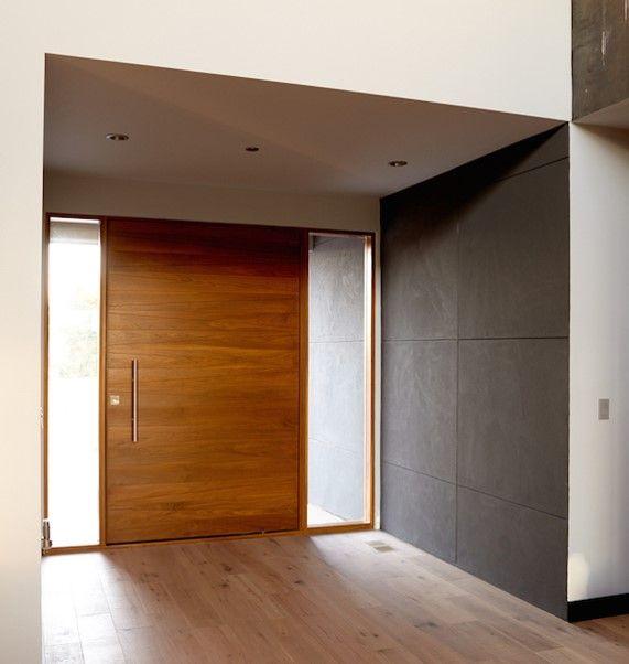 Bon Flush Pivot Door With 2 Sidelites.