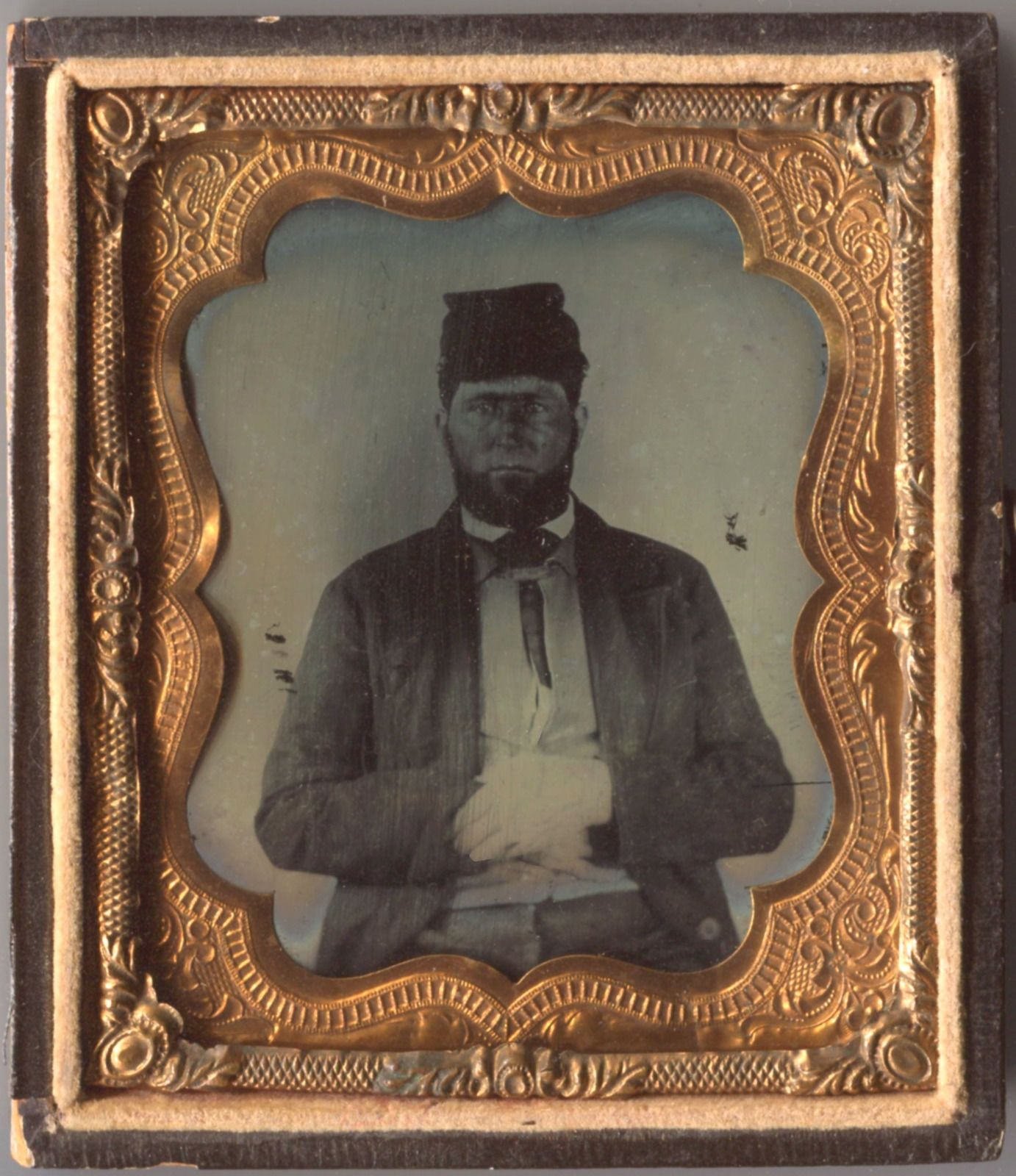 6th plate ruby ambrotype of a civil war soldier in half of eagle & shield case | eBay