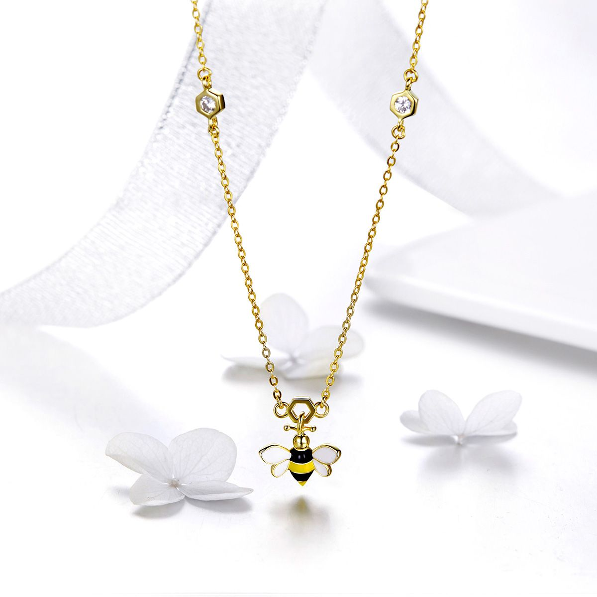 925 Sterling Silver Charm Necklace Hardworking Bee With Clear CZ Fashion Jewelry