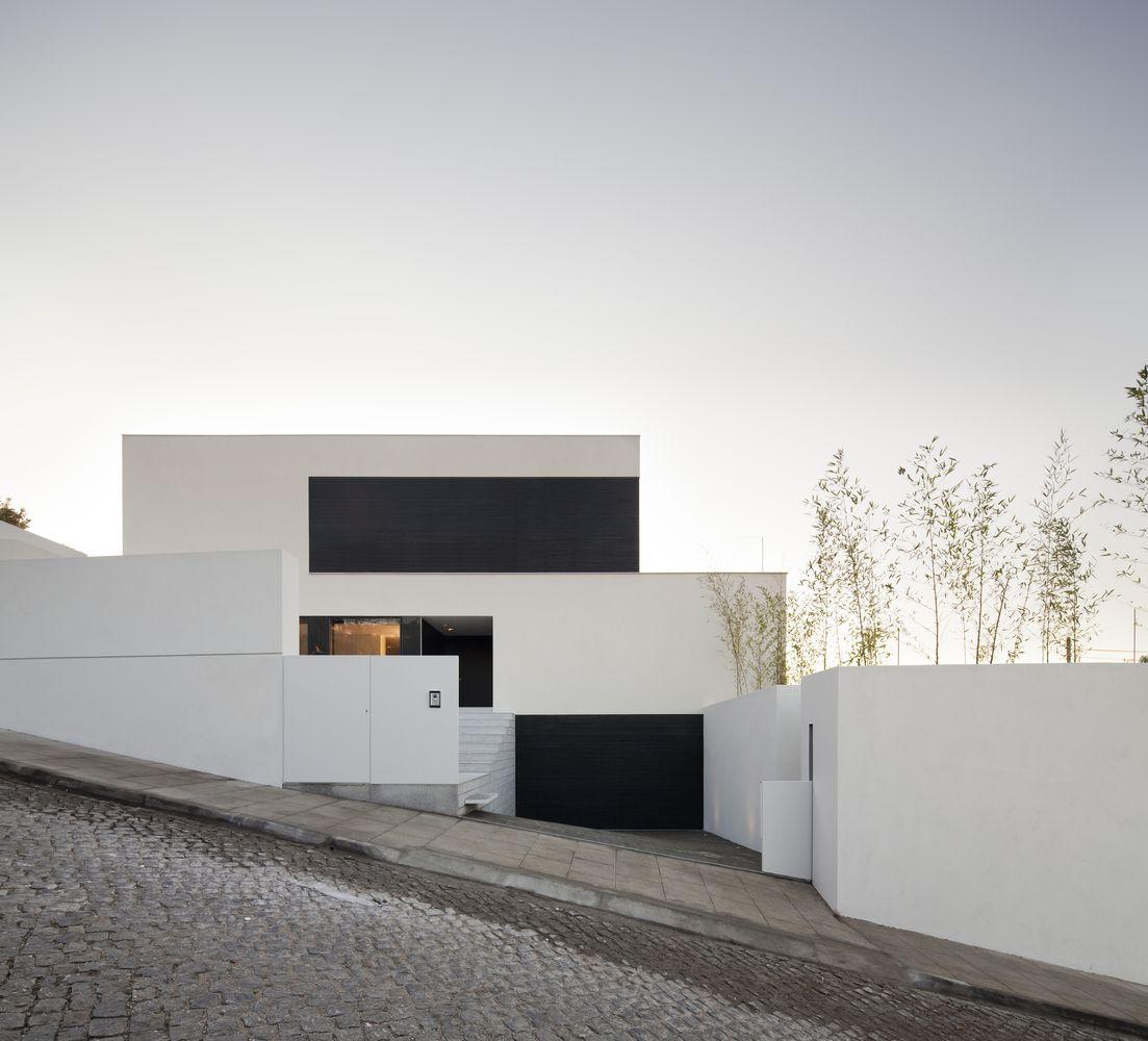 Gallery Of House In Braga Azo Sequeira Arquitectos Associados 2 Planos De Casas Minimalistas Arquitectos Arquitectura