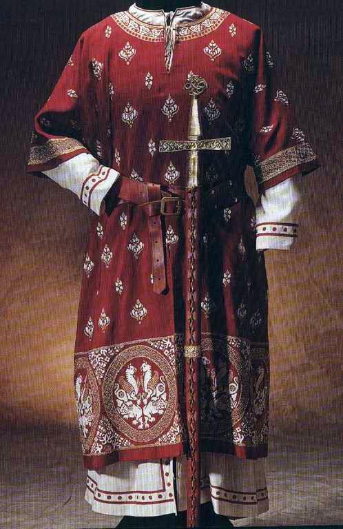 • 13th century 14th century Medieval costume mdpcostume 13th c. costume 14th c. costume jeannepompadour •