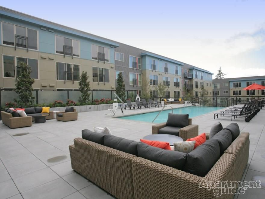 Leilani On Greenwood Pool Lounge Amazing Apartments Poolside