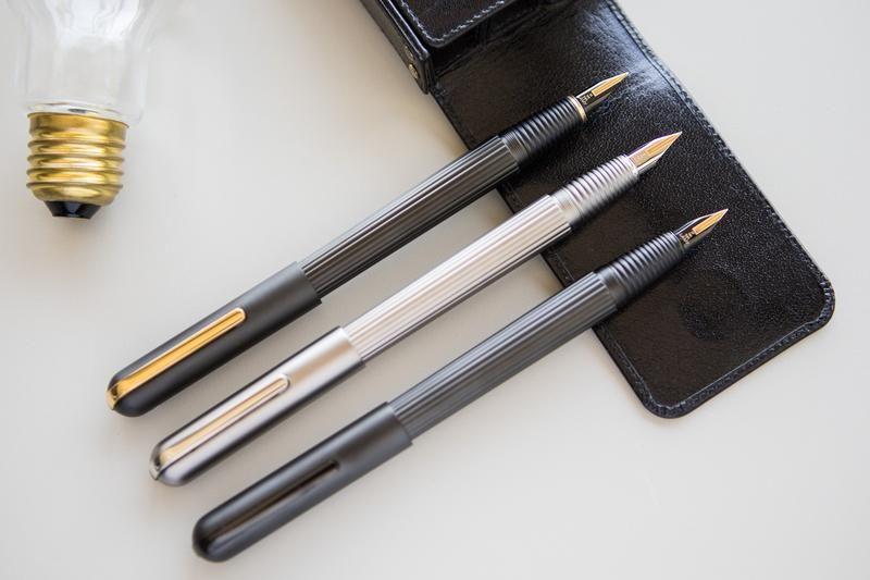 BLUE//SKY twist pen 10781 XONEX Tri-Tone tritone Black Ink Ballpoint Single Pen