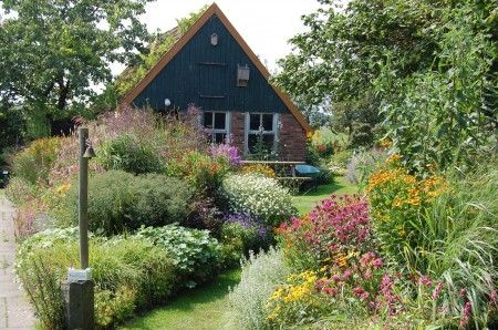 traditional dutch home garden