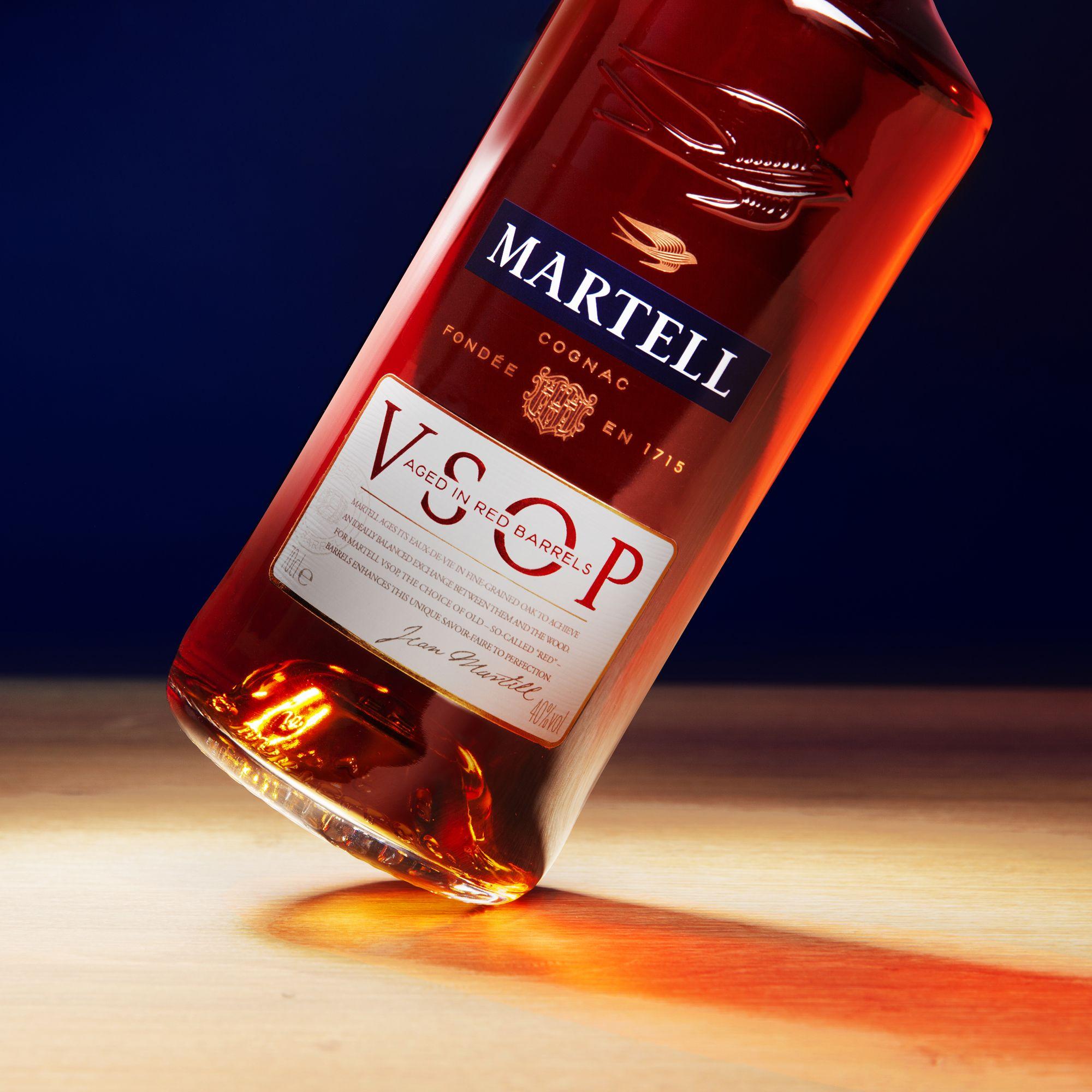 Martell Vsop In 2020 Wine Bottle Rose Wine Bottle Cognac