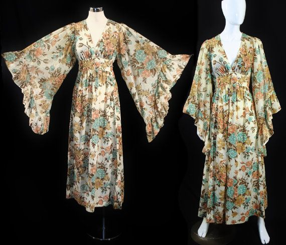 Vintage 1970s Floral ANGEL BELL SLEEVE 70s Bohemian Hippie